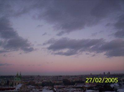 Una suggestiva panoramica del cielo Praghese